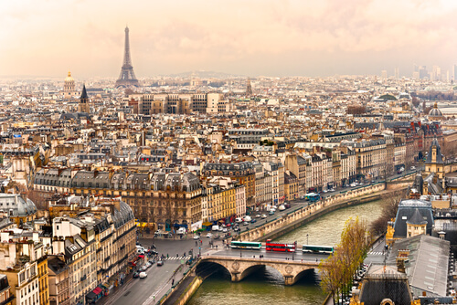 travel guide to paris france
